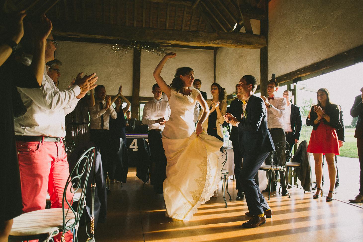 photographe-mariage-champ-de-launay-normandie-00071